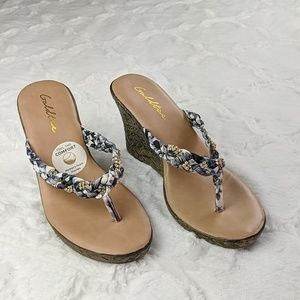 NWOT Gold Toe Wedge Sandals Size 6